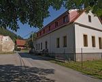 Chráněné bydlení ve Skryjích (budova bývalé školy)